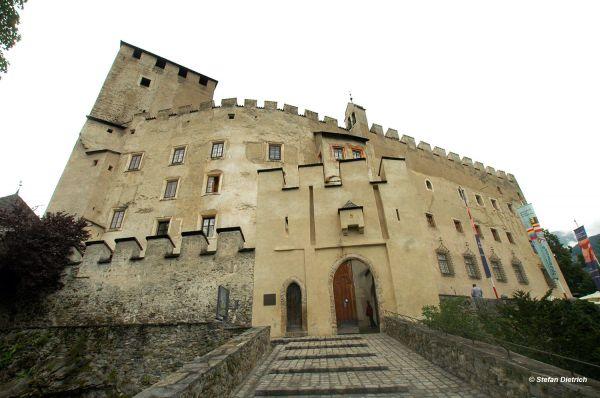 Ausstellungen im Schloss Bruck