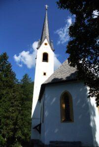 In der Pfarrkirche werden Speisen geweiht.