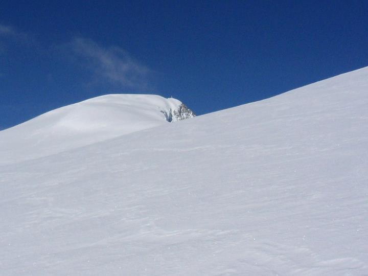 Auf einmal öffnete sich das Tal und vor mir tauchten Berge auf.