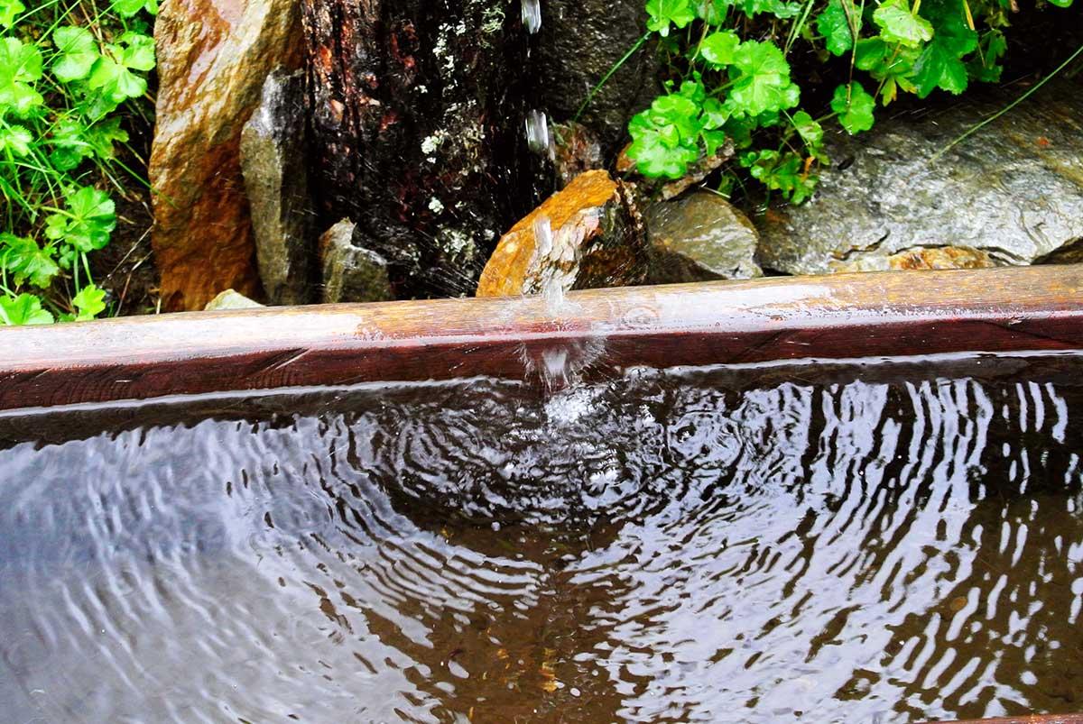 Den Durst löschten wir mit Wasser aus Brunnen und Bächen.