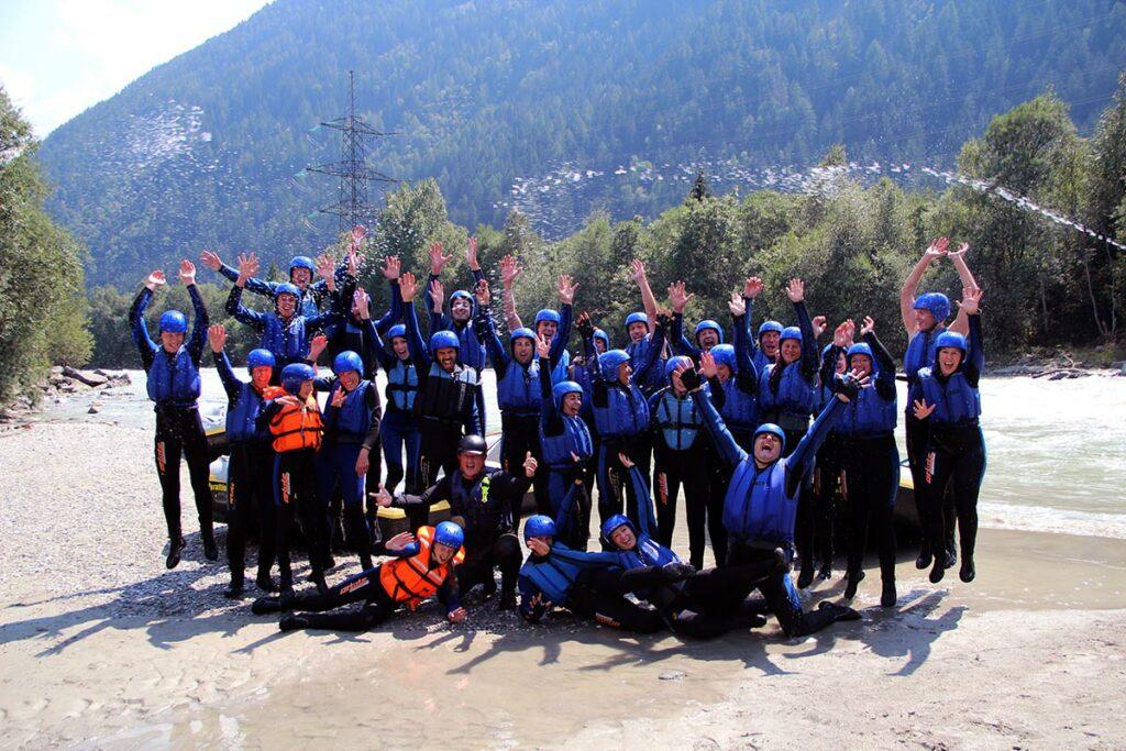 Ideal ist ein Rafting-Ausflug mit Sicherheit, wenn man eine größere Gruppe ist