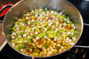 Suppe sanft köcheln lassen.