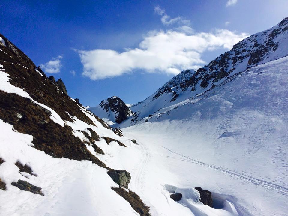 Ab nun an ging es steil bergauf. Durch Fels, Eis, Schnee.
