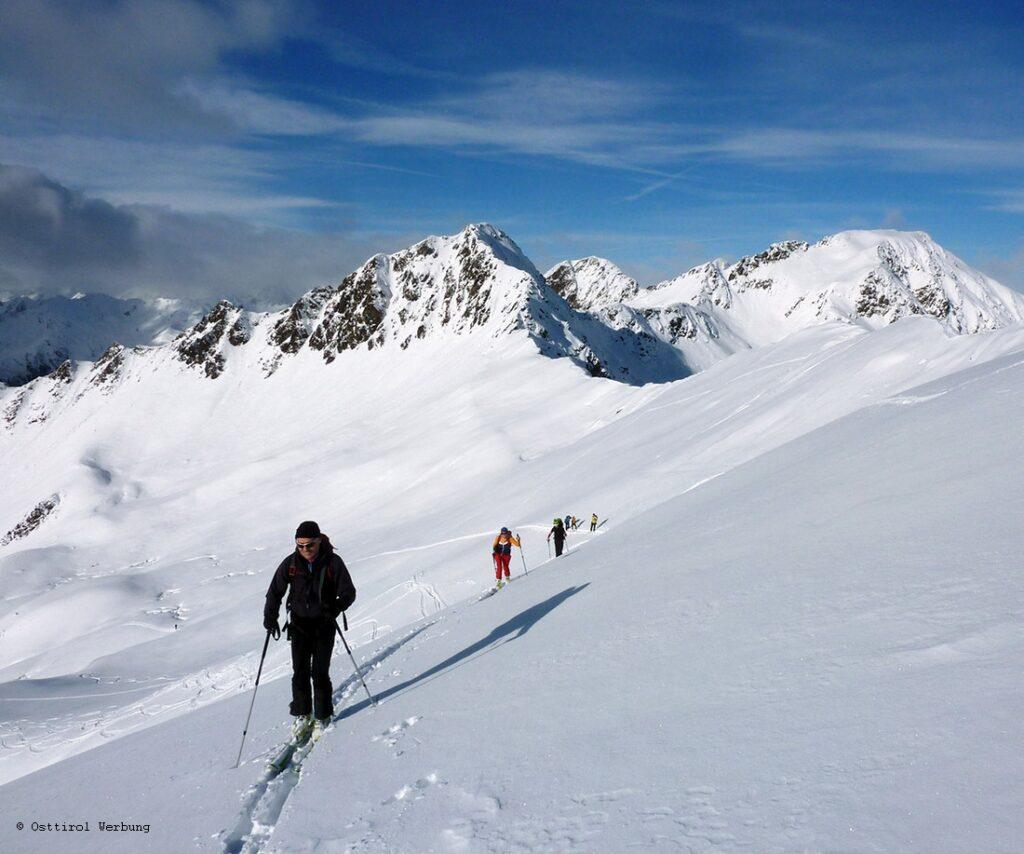 Auf Skitour in Osttirol. Hier im Villgratental bei der letztjährigen Skitourensafari.