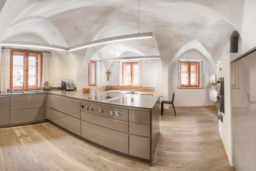 Moderne Küche im Tassenbacherhof