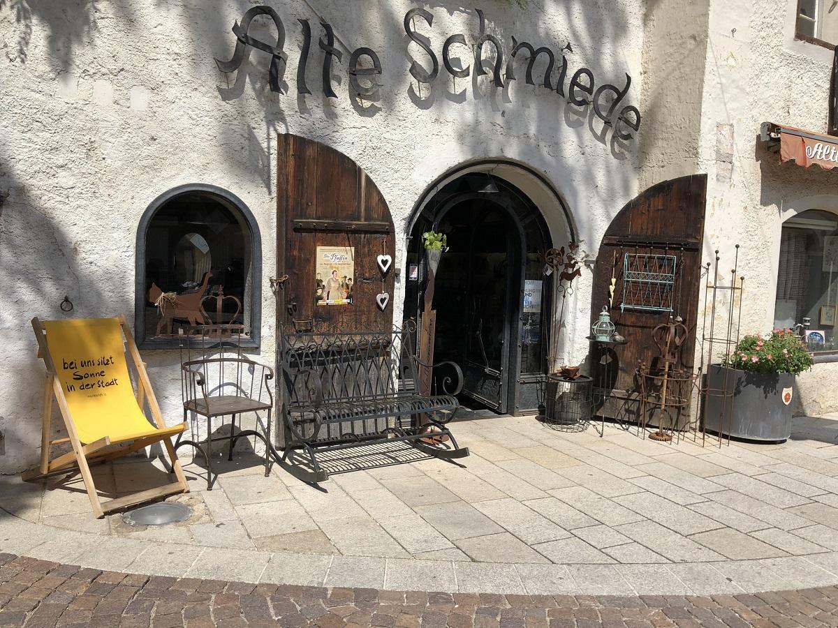 """Die """"Alte Schmiede"""" ist eines der beliebtesten Fotosujets in der Altstadt Lienz."""