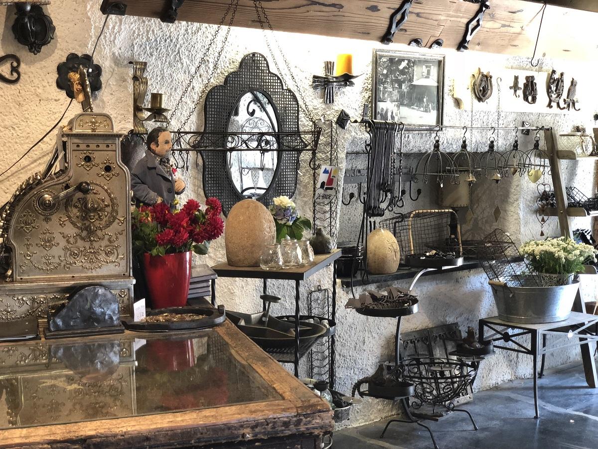 """Das Geschäft """"Die Alte Schmiede"""" in Lienz ist ein herrlicher Ort zum Geschenke-Stöbern!"""