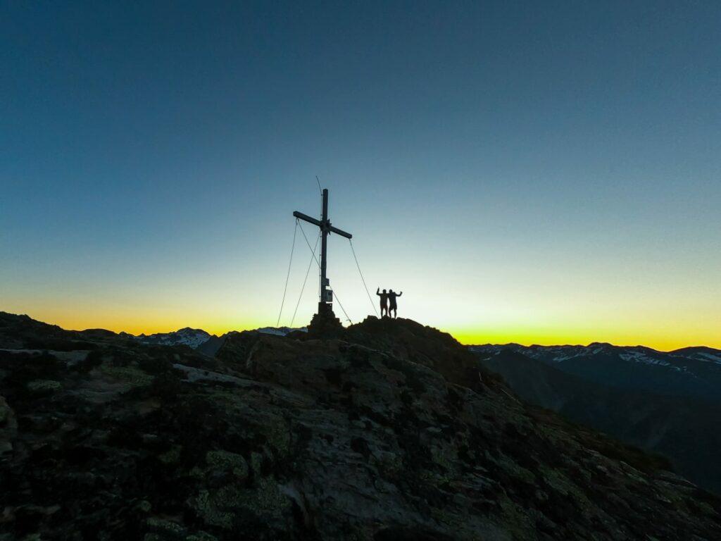 Gipfelsieg am großen Zunig. Sonnenaufgang um 05:30 Uhr