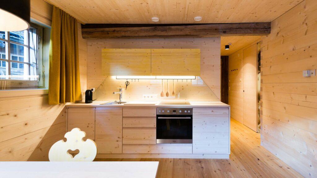 Die 4 Wohnungen im Giatla Haus sind alle mit einer Hauptfarbe eingerichtet, die den Apartments auch ihren Namen gibt.